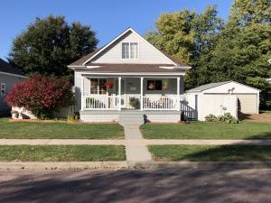 611 N Wisconsin St, Mitchell, SD 57301
