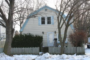 1117 E 2nd Ave, Mitchell, SD 57301