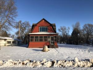 302 E 4th, Plankinton, SD 57368