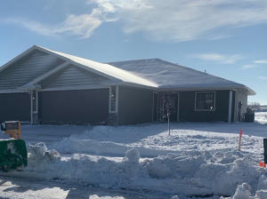 1427 W 20th Ave, Mitchell, SD 57301