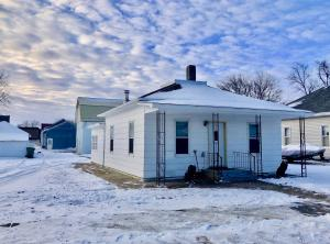 131 N 4th St, Emery, SD 57332