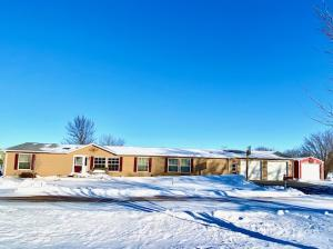 302 E Maple St, Ethan, SD 57334
