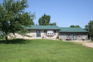 25325 405th Ave, Mitchell, SD 57301