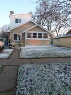 309 E 10th Ave, Mitchell, SD 57301