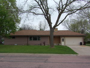 1420 Mitchell Blvd, Mitchell, SD 57301