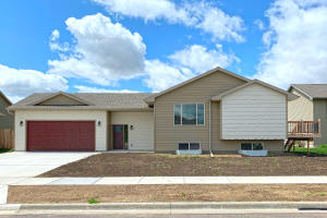 301 Christine St, Mitchell, SD 57301