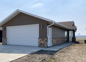 1419 W 20th Ave, Mitchell, SD 57301