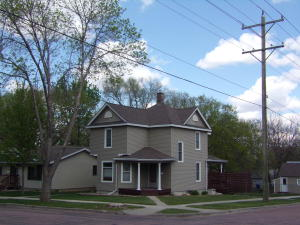 622 S Wisconsin St, Mitchell, SD 57301
