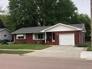 812 W Birch Ave, Mitchell, SD 57301