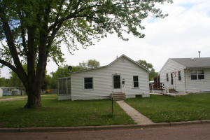 1101 W 3rd Ave, Mitchell, SD 57301