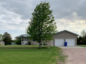 25089 407th Ave, Mitchell, SD 57301
