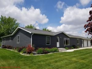 603 N Wallace St, Parkston, SD 57366
