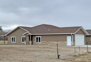 1417 W 20th Ave, Mitchell, SD 57301