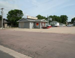 808 S Sanborn Blvd, Mitchell, SD 57301