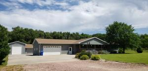 308 Nathan Ave, Mitchell, SD 57301