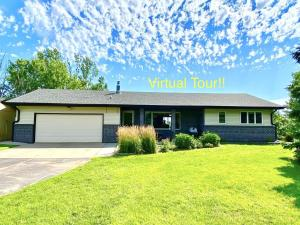 3240 N Gale Rd, Mitchell, SD 57301