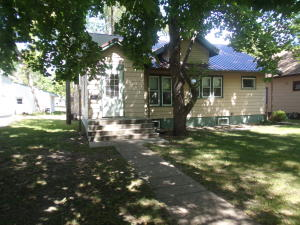 414 W 11th Ave, Mitchell, SD 57301