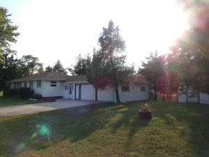 301 N 4th St, Stickney, SD 57375