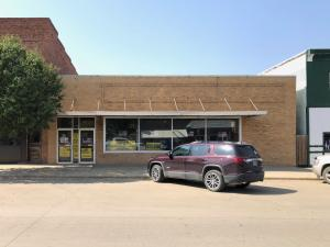 418 S Main St, Platte, SD 57369