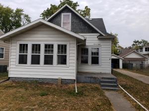 708 W 6th Ave, Mitchell, SD 57301