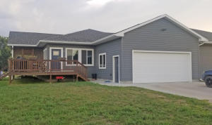210 E Juniper Ave, Mitchell, SD 57301