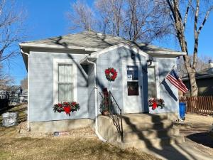 1020 E 3rd Ave, Mitchell, SD 57301
