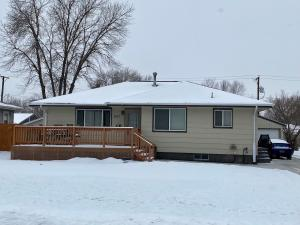 1511 E 3rd St, Mitchell, SD 57301