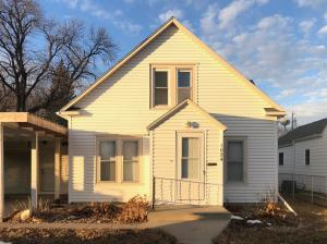 1024 E 2nd Ave, Mitchell, SD 57301