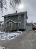 305 W 6th St, Mitchell, SD 57301