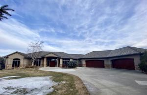41290 Rock Creek Dr, Mitchell, SD 57301