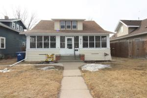 817 E 4th Ave, Mitchell, SD 57301