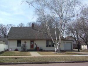 417 N Wisconsin St, Mitchell, SD 57301
