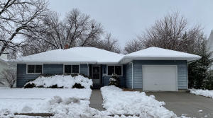 516 W 4th Ave, Mitchell, SD 57301