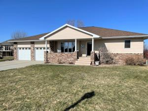 42 Bay Hill, Mitchell, SD 57301