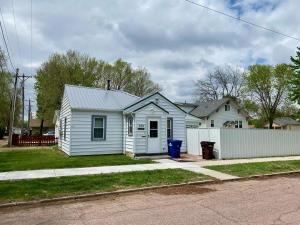 515 N Mentzer St, Mitchell, SD 57301