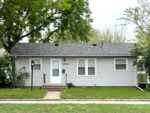1016 E 1st Ave, Mitchell, SD 57301