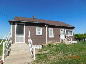 39345 295th St, Wagner, SD 57380