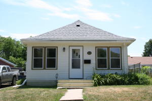 919 W 5th Ave, Mitchell, SD 57301