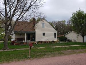 204 S 5th St, Ethan, SD 57334