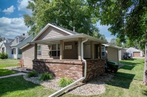 812 W 6th Ave, Mitchell, SD 57301