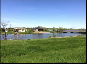 West Harmon Dr, Mitchell, SD 57301