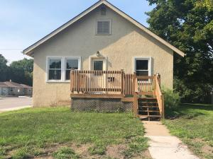 322 W 12th Ave, Mitchell, SD 57301