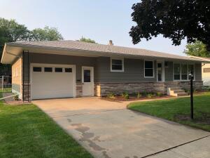 1416 E 4th Ave, Mitchell, SD 57301