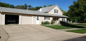 901 W 6th Ave, Mitchell, SD 57301