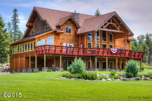 The Great Bear Inn - just minutes from entrance to Glacier Park, adjacent to Forest Service, on 10+ acres, gorgeous views!