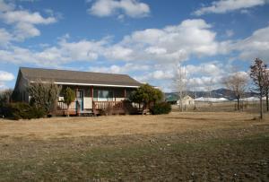 517 Warp Drive, Corvallis, MT 59828