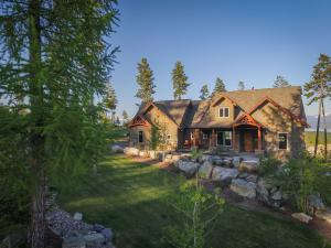 Welcome to 388 Ridge Line Dr. in beautiful Lakeside Montana