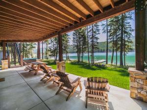 3176 North Ashley Lake Road, Kalispell, MT 59901
