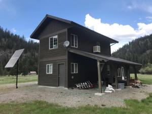 16 Idle Hour, Clinton, Montana 59825