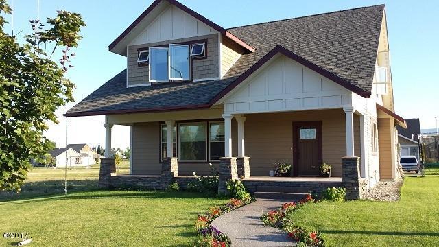 Wood And Tile Floors Range, Refrigerator, D/w, Formal Dining U0026 Living Room, Granite  Countertops, ...